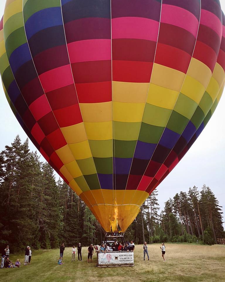 flyga luftballong halmstad